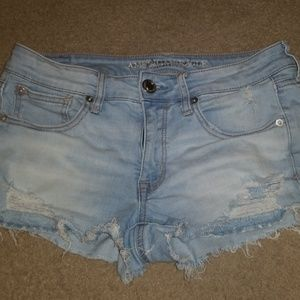 American Eagle ripped short
